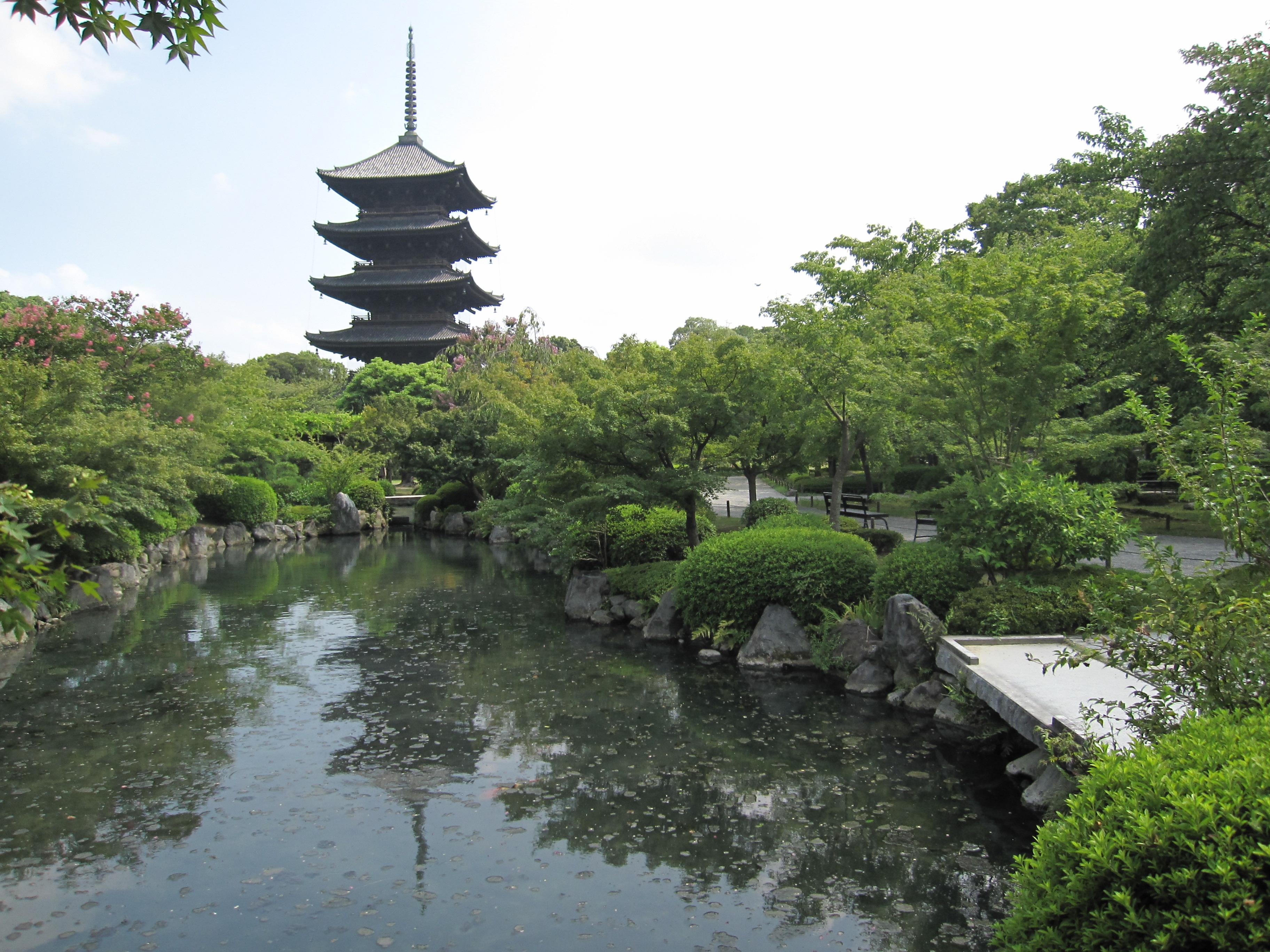 東寺庭園の画像