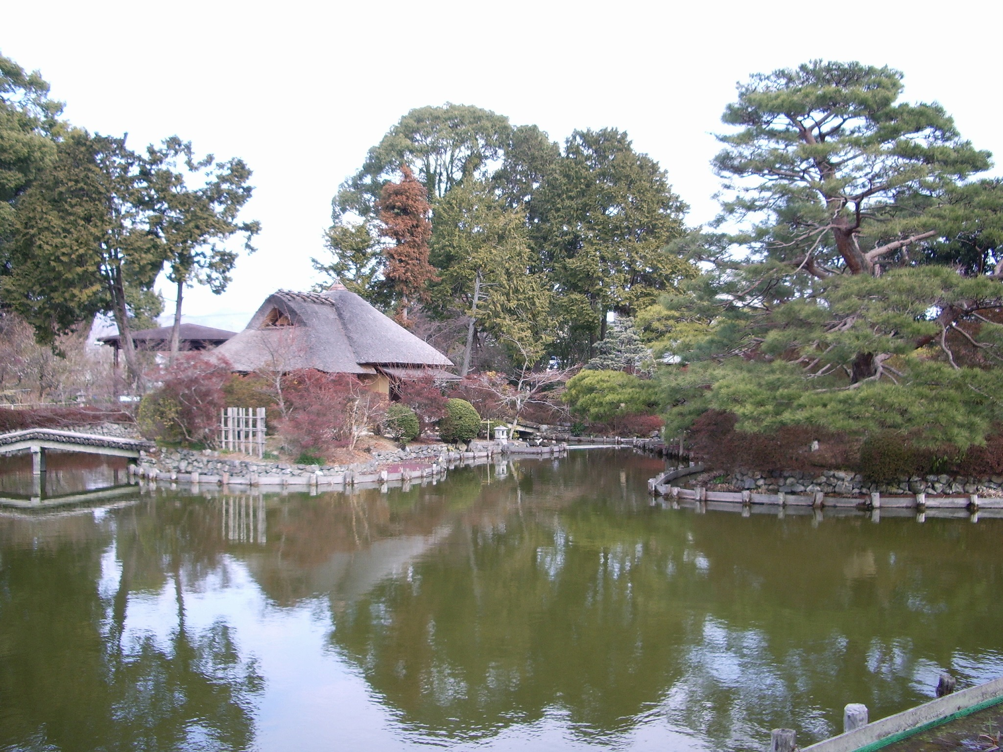 梅宮大社の神苑の画像